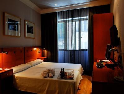 HOTEL HIGH TECH CLÍPER ***, Gran Vía ( Madrid)