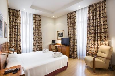 HOTEL PETIT PALACE LONDRES***